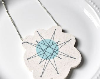 Wide Rim Broken China Jewelry Necklace  - Blue Atomic Starburst