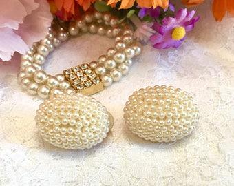Vintage Faux Pearl Earrings/ vintage jewelry/ wedding earrings/ Costume Pearls/ Clip on Earrings