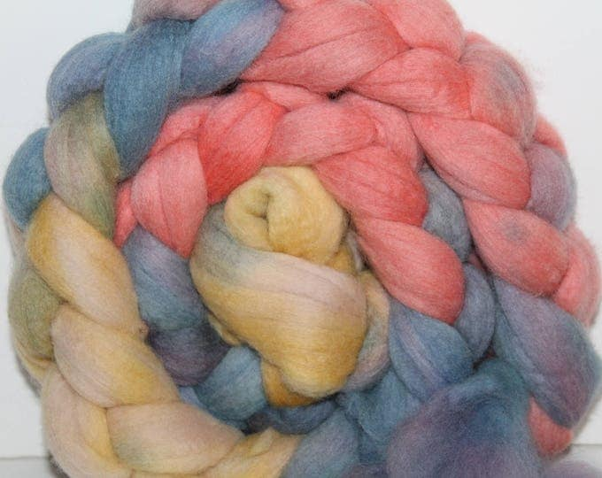 Handpainted  Merino Wool Top. Super fine. 19 micron  Soft and easy to spin. 4oz  Braid. Spin. Felt. Roving.M296