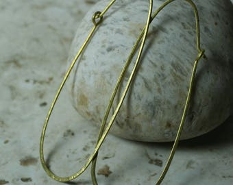 Handmade hammered extra large solid brass enlongated oval hoop, one pair (item ID LEB120G18)
