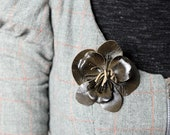 Leather flower brooch, khaki green floral brooch, leather jewelry, Floral accessory