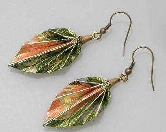 Origami jewelry, origami earrings, origami leaves in Japanese paper green chiyogami and salmon
