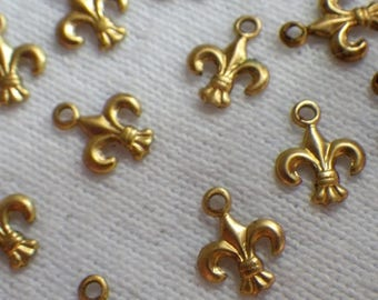 SALE 30% Off Fleur de Lis Tiny Brass 9mm Drops 12