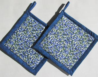 Blueberry Potholders, Blueberries Pot Holders, Blueberry Kitchen Theme, Blueberry Kitchen Decor, Handmade Kitchen Accessories