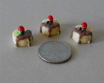 Set of 3,Miniature Cakes, Miniature Cake,Vanilla Sponge Cake with Chocolate Icing and a Cherry on top,Dollhouse Miniature Cake