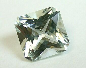 Vintage AQUAMARINE BLUE Faceted Gemstone 1.64 cts 7.5mm fg215