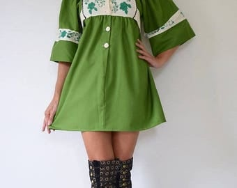 SUMMER SALE/ 30% off Vintage 70s Avocado Green Crisp Cotton Babydoll Dress with Box Sleeves and Floral Embroidery (size small, medium)