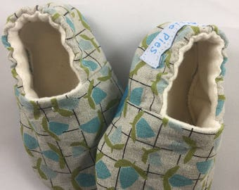 baby moccasins, Baby shoes, baby girl shoes, baby slippers, toddler shoes, toddler slippers, crib shoes, soft sole baby shoes, shower gift