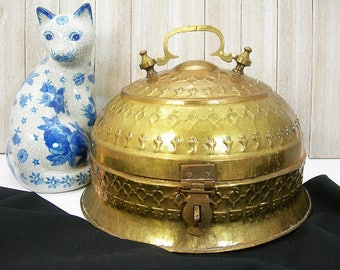 Domed Brass Box, Extra-large Lidded Metal Box, Repousse Patterned Metalwork, Mid Century Bohemian Decor, Junglalow Stash Storage Box