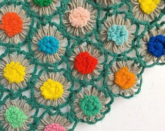 Snuggle Up Buttercup... Vintage Handmade Daisy Chain Afghan Colorful Rainbow Flower Afghan Blanket Bedding