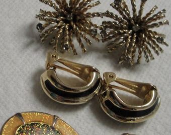 Gold Tone Burse Rhinestone, Black Gold Tone Enamel and Giltter Yellow Black Clip Earrings