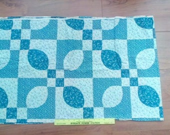 Vintage Drunkards Path type cheater pre-print fabric, 2 yds colonial blue & white