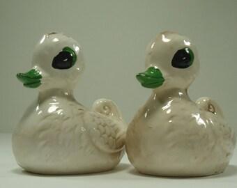 Cute Set Of Ceramic Duck Salt And Pepper Shakers Made In Japan
