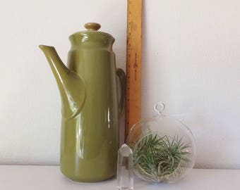 Mid Century Coffee Pot Lidded Pitcher Avocado Green Tall Vintage Carafe Vtg 1960's Kitchen Teapot Green Kitchen Decor MidCentury Modern 60's