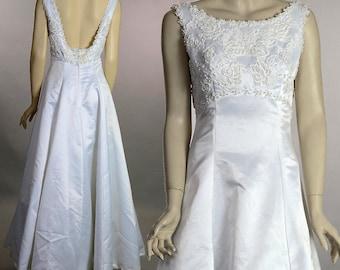 Sleeveless beaded wedding dress Vintage 90s pure white satin bridal gown L Large