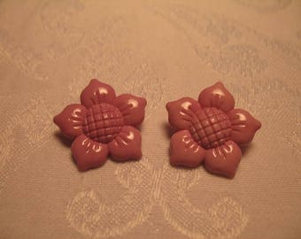 Pretty Vintage Purplish Pink Floral Buttons for Your Art and Craft Project