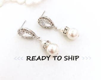 RTS White Pearl Bridal Earrings // pearl wedding earrings