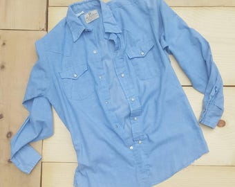 Vintage Chambray Shirt //  Vtg DEE CEE Made in the USA Distressed Thin Western Cut Snap Front Light Blue Shirt
