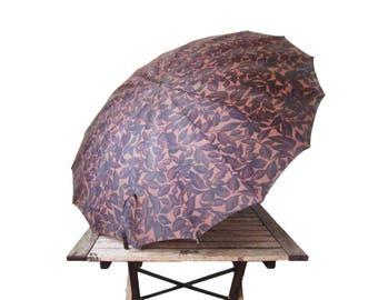 Vintage Autumn Leaves Umbrella - 1950s Dark Purple Parasol - Steampunk Mid-Century Rain Accessory - Wedding Prop - Lucite Handle