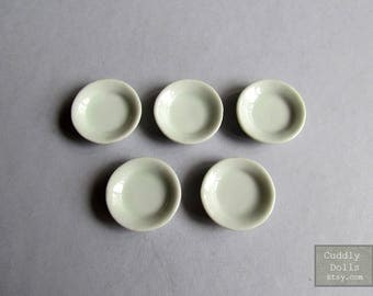5 pieces WHITE PLATES Dollhouse Miniatures Ceramic Small DISH Dollhouse Display Decoration 1/12 Scale Tiny Mini Plates Handmade Handcraft