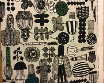 Puutarhurin parhaat, Marimekko fabric piece