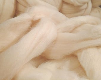 Cheviot Roving Undyed Natural Ecru 16 oz Alba Ranch Spinning Wool Long Staple