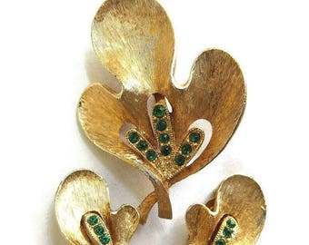 SALE Emerald Green Rhinestone Leaf Brooch and Earrings Set Vintage JJ Jonette Jewelry