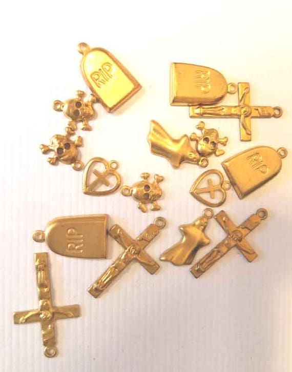 16 vintage brass skull grave cross metal charms gold tone heart charms lot goth religious 10mm to 20mm jewelry findings