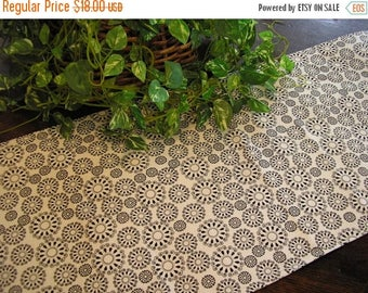 SALE Table Runner Geometric Circles Black & White Padded