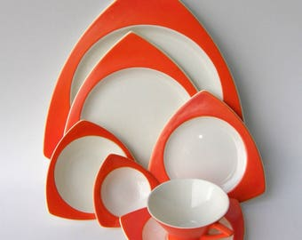 Salem China Atomic Art Deco Dinnerware Service for 4: Mandarin Orange Streamline & Tricorne, in Grade B Condition
