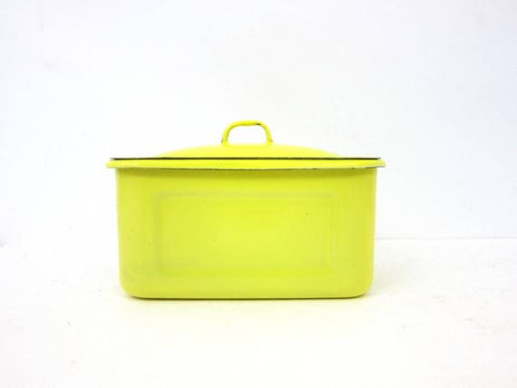 Bright Yellow vintage Enamel Pot Lidded Refrigerator Pan Covered Left Over Dish Lidded Box Kitchen Home Decor Storage Container Canister