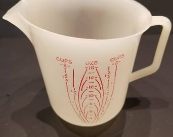 Vintage Tupperware  2 Cup  Measuring Cup  Kitchen Utensils Retro Baking Items Vintage Kitchen Gadgets