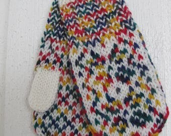 Handknitted norwegian mittens for children in off white and multicolor