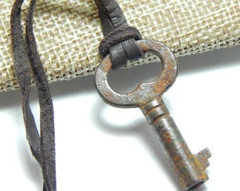 Skeleton Key Necklace, Vintage Key Necklace, Key Necklace for Men, Valentine Gift for Him, Leather Key Necklace, Lock and Key Jewelry