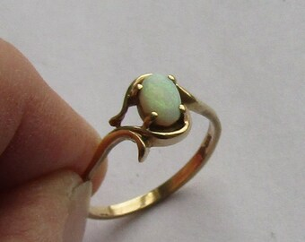 Antique Opal Ring in solid 10K yellow gold, size 5.5, free US first class shipping