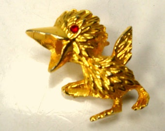 Gold SQUAWKING Bird Pin, Red Eyes, Tiny BIG MOUTH Feathered Friend, So Funny, Kitsch 1960s Brooch