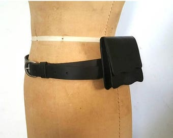 SALE Black Leather Waist Bag / Wallet Buckle Belt / 31-35 inch waist / S-M