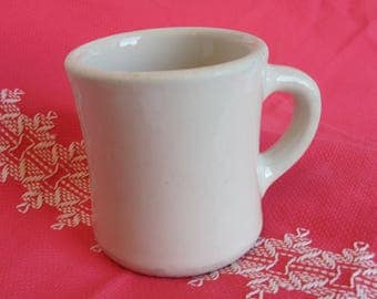 Victory Mug Large Heavy White Restaurant Ware Mug 1940s Shaving Mug Coffee Cup Cafe Diner Dishes Soup Plain Pottery Collection 40s Kitchen
