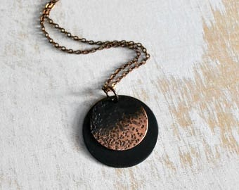 Copper disc necklace, rustic necklace, minimalist earrings, hammered metal - Luna