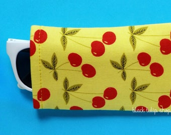 Yellow Sunglasses Case Eyeglass Pouch Sleeve Retro Red Cherries Lightweight Reading Glasses Cover Cute Soft Eyeglass Case