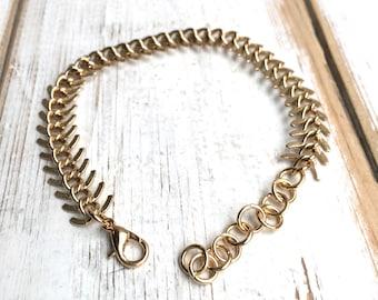 Men's Bracelet Fishtail Chain Bracelet Textured Gold Snake Spine Chain Jewelry Gift for Her Urban Rustic Jewelry Gold Spine Chain Bracelet