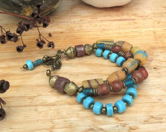 A bracelet 3 rows ethnic Amerindian style with superb beads in African pastes of glass ......: Face to the Sea !!!!!