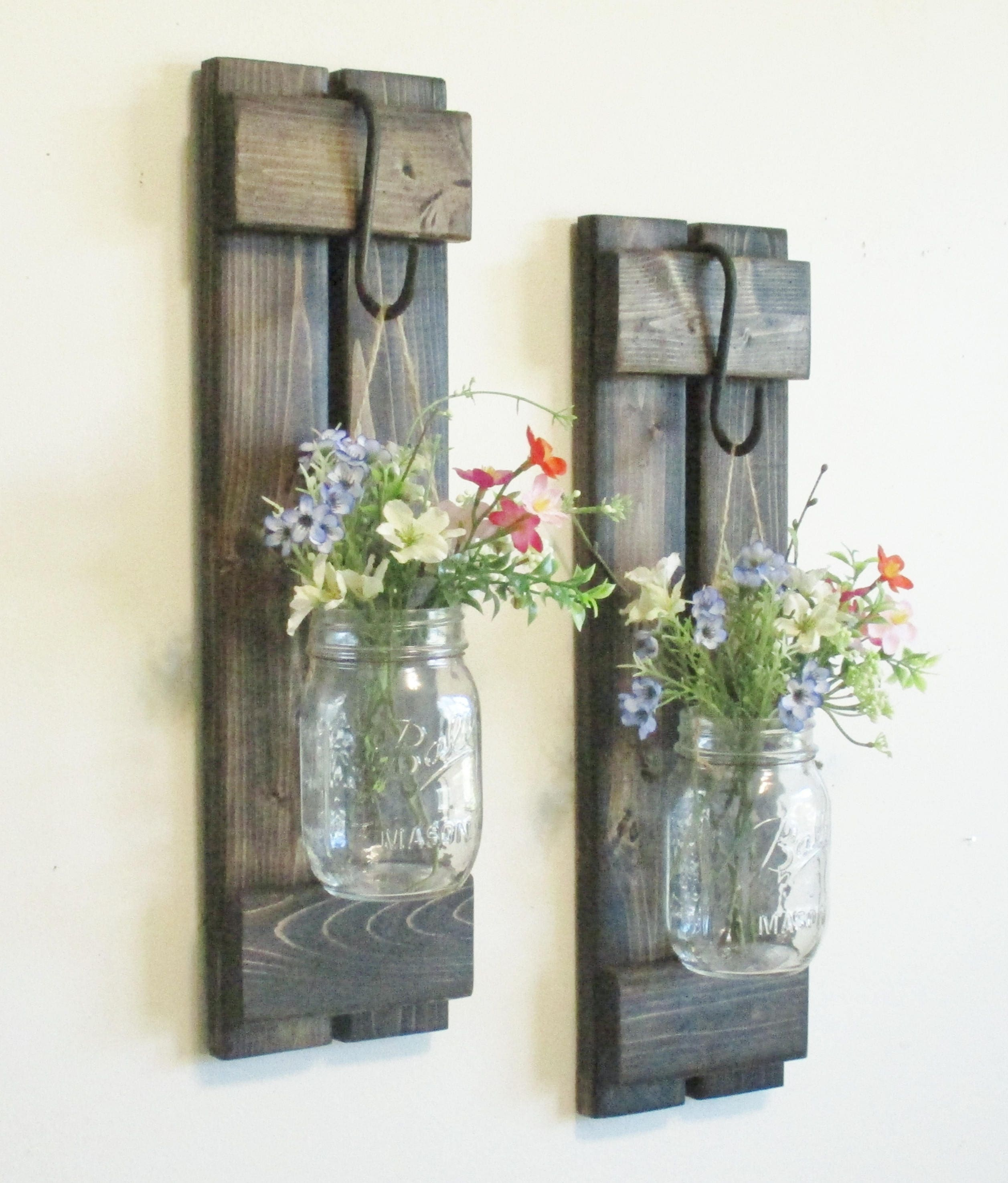 30 beautiful farmhouse wall decor for Rustic home decor and woodworking