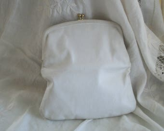 Vintage Mid Century White Leather Clutch Purse St. Thomas One Size Fits All Wedding?