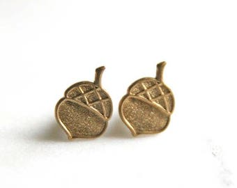 CHRISTMAS in JULY SALE Gold Acorn Earrings | Acorn Jewelry Woodland Jewelry | Bridal Jewelry, Forrest Themed Wedding |  Bridesmaid Jewelry |