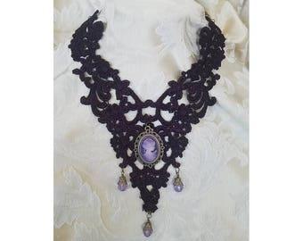 Neckwear Art in Deep Purple Plum Cameo Collar Choker Necklace in Venise Teardrop Rust Medieval Modern Style Evening Ventage Country Wear