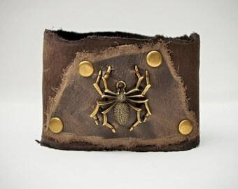 Men Women dark olive Leather Cuff Bracelet with bronze spider. Distressed Genuine Leather bracelet wristband. Raw edge leather medieval