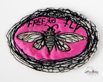 Collectible Textile Art Pin - Fly Art Brooche - Pink Fly - Customisation - Closure