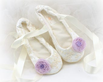 Wedding Ballet Flats,Lilac,Ivory,Lavender,Wedding Flat Shoes,Lace Flats,Flats with Flowers,Flower Girl Flats,Ballet Slippers,Vintage Wedding