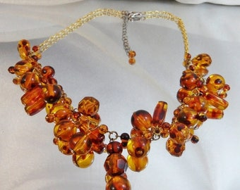 SALE Vintage Amber Dangling Bead Necklace. Amber Lucite Beads Necklace.